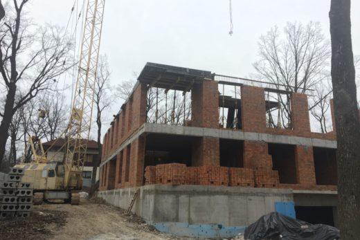 Строительство жилого 4-х этажного дома  на объекте резиденция Park House по ул. Батумская, 4 в г. Харьков